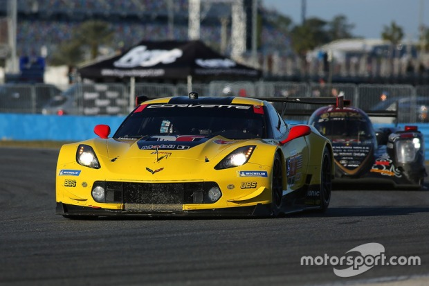 imsa-daytona-january-testing-2018-4-corvette-racing-chevrolet-corvette-c7-r-oliver-gavin-t