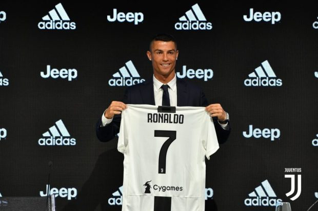 ronaldo-signs-for-juventus-july2018-940x625-1